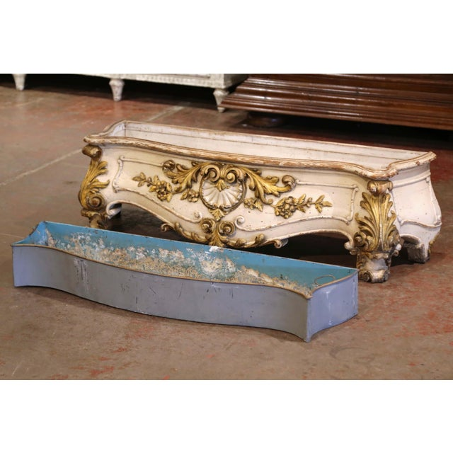 Early 19th Century French Louis XV Carved Painted & Gilt Bombe Floor Jardinière For Sale - Image 9 of 13