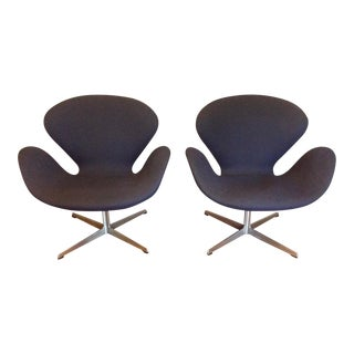 Arne Jacobsen Swan Chairs - Pair For Sale