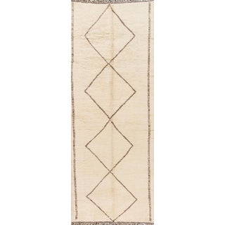 21st Century Modern Cream/Ivory Moroccan Rug For Sale