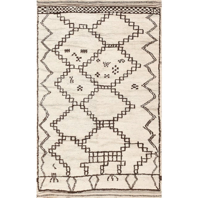 Textile Vintage Moroccan Ivory and Brown Rug - 4′6″ × 7′ For Sale - Image 7 of 7