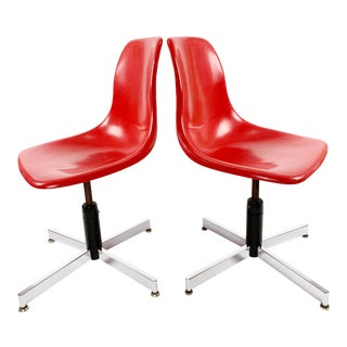 1960s Unit Plastic Inc. Red Fiberglass Shell Chairs - a Pair For Sale