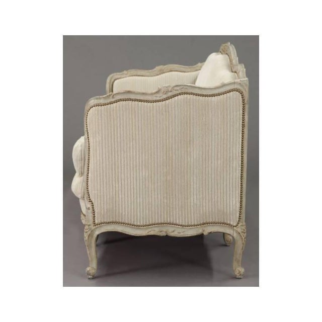19th Century French Louis XV Carved Canape With Painted Finish and Beige Fabric - Image 7 of 9