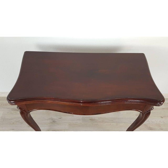 Beautiful important game table made in the 19th century in precious rosewood. This type of table was born to have a double...