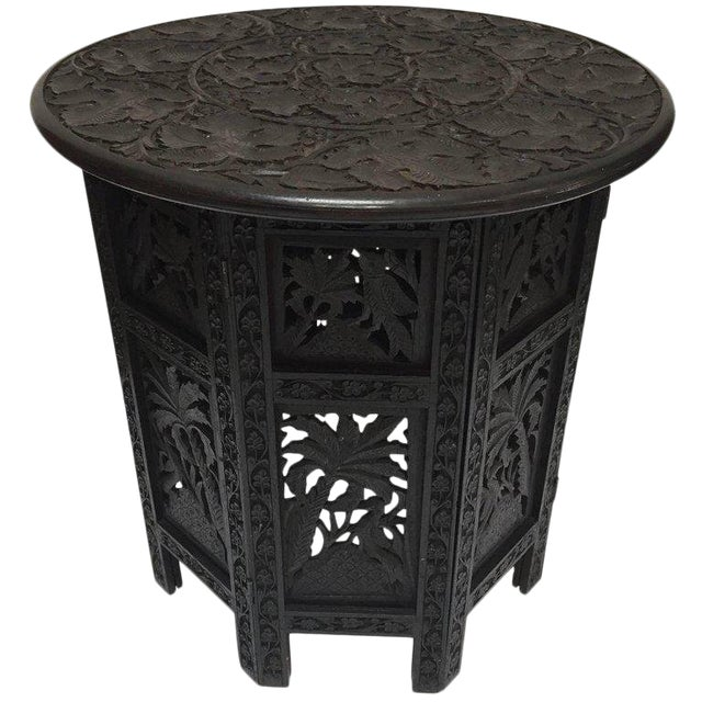 Anglo-Indian Fine Quality Exotic Pierced Hand-Carved Octagonal Table For Sale