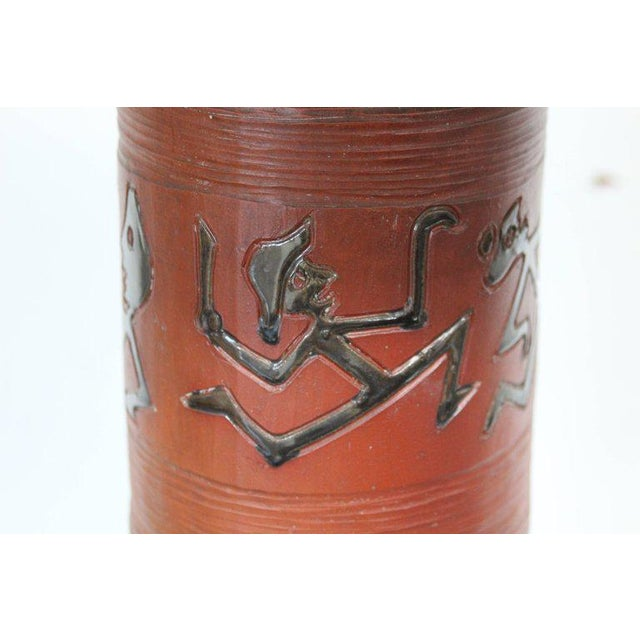 Rust Red Ceramic Table Lamp with Primitive Motif - Image 6 of 9