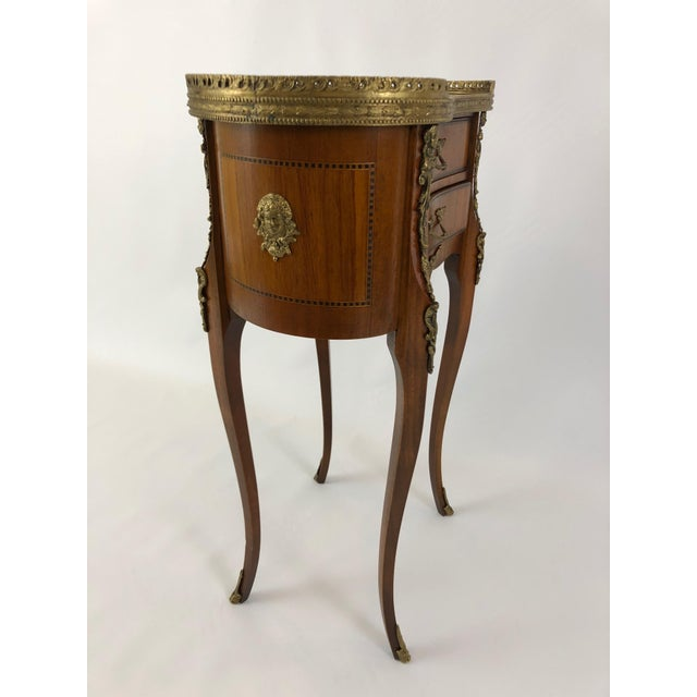 1950s Exquisite Italian Kidney Shaped Inlay Mahogany Nightstand or End Table For Sale - Image 5 of 13