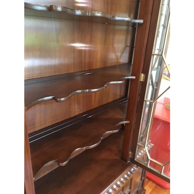 1980s Chippendale Baker Furniture Company Mahogany Breakfront China Cabinet For Sale - Image 10 of 11