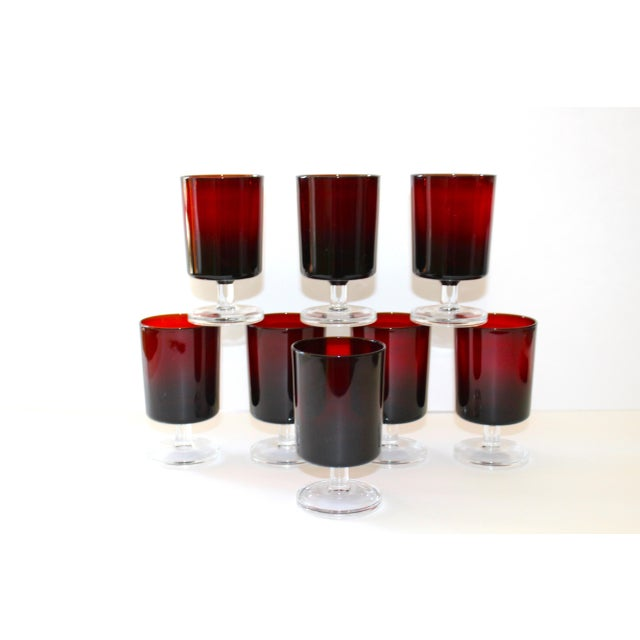Art Deco Set of 8 Mid-Century Modern Crystal Wine Glasses in Red, 1960's For Sale - Image 3 of 13
