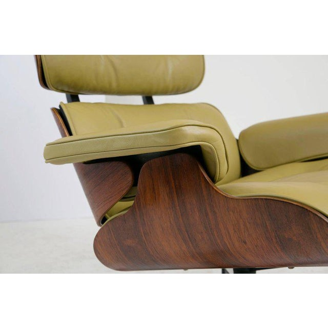 Early Production Model 670/671 Lounge Chair & Ottoman by Charles & Ray Eames For Sale - Image 11 of 13
