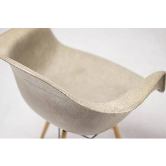 Contemporary Charles Eames PAW Rope Edge Dowel Leg Swivel Chair For Sale - Image 3 of 7