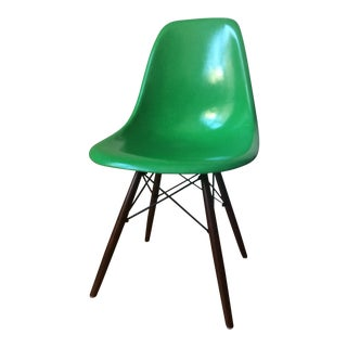 Authentic Mid-Century Eames Herman Miller Fiberglass Side Chair