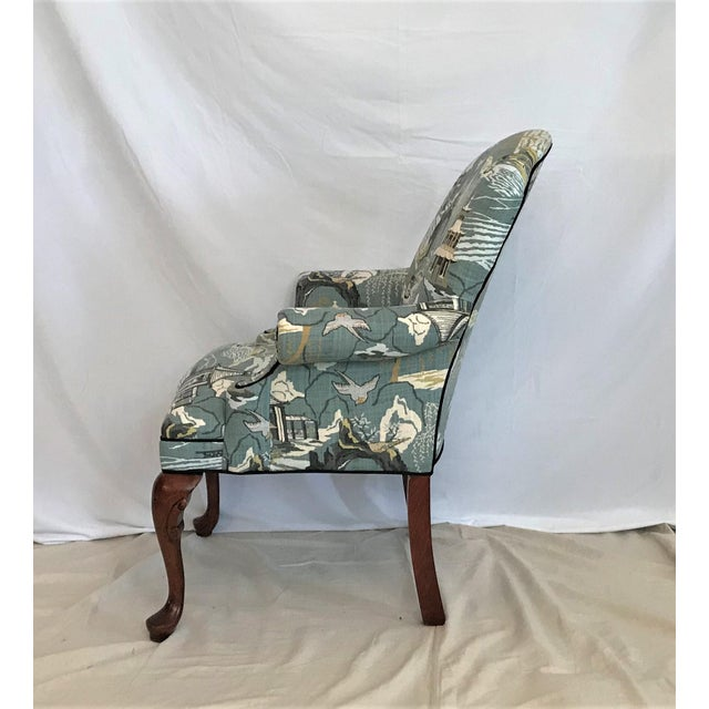 Mid 20th Century Mid Century Robert Allen Chinoiserie Toile Upholstered Queen Anne Armchair For Sale - Image 5 of 8