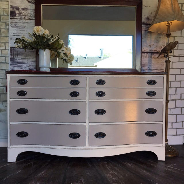 Vintage Bow Front Dresser With Mirror - Image 3 of 5