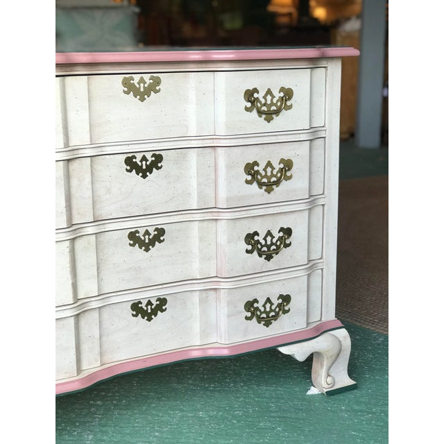 Gorgeous coloring with its off white distressed style trimmed in pink with all original hardware by Jasper. Please zoom in...