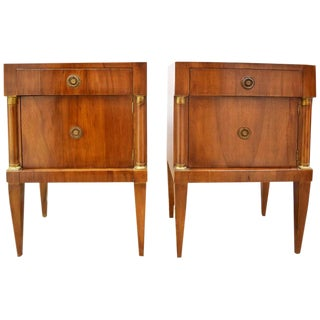 Pair of Vintage Italian Nightstands For Sale