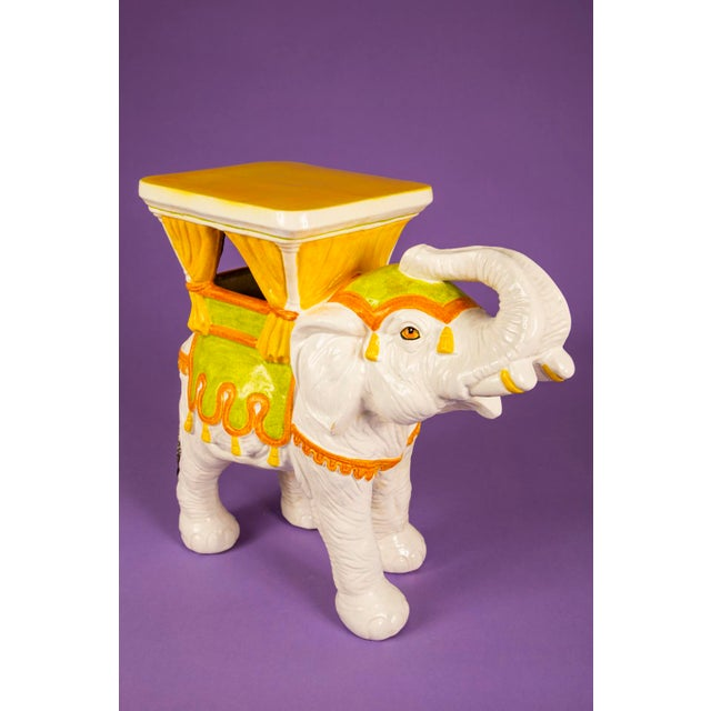 Absolutely gorgeous hand painted Italian elephant plant stand. 1960's vintage and in excellent cosmetic condition....