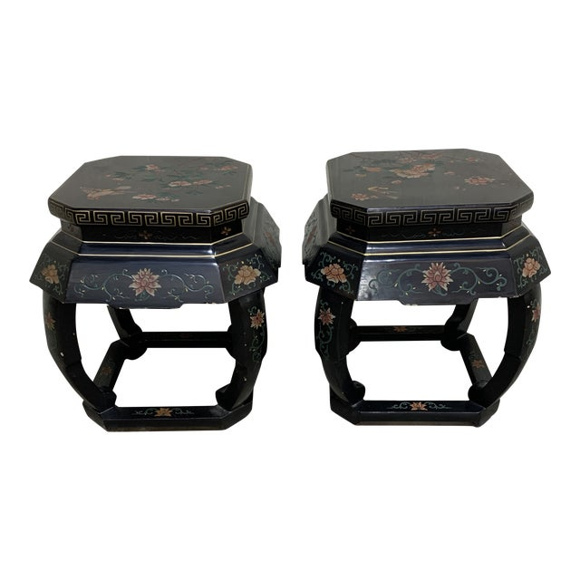20th Century Chinese Black Lacquer Side Table Stools For Sale