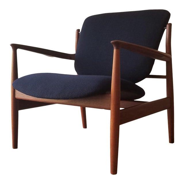 1950s Newly Upholstered Finn Juhl for France & Daverkosen in Kvadrat Wool Teak Lounge Chair (Fd-136) For Sale