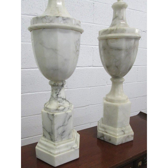 Italian Pair of Neoclassical Italian Marble Urn Lamps For Sale - Image 3 of 6