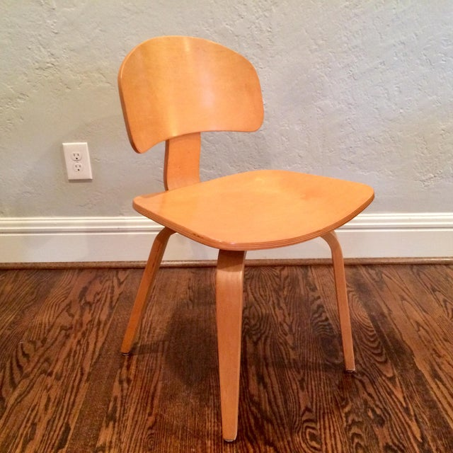 1990s Vintage Thonet Mid Century Style Plywood Chairs- Set of 12 For Sale - Image 5 of 8