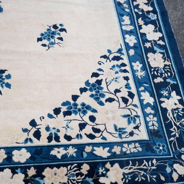 Large Scale Chinese Art Deco Rug in Cream and Navy with Floral Motifs For Sale - Image 4 of 10