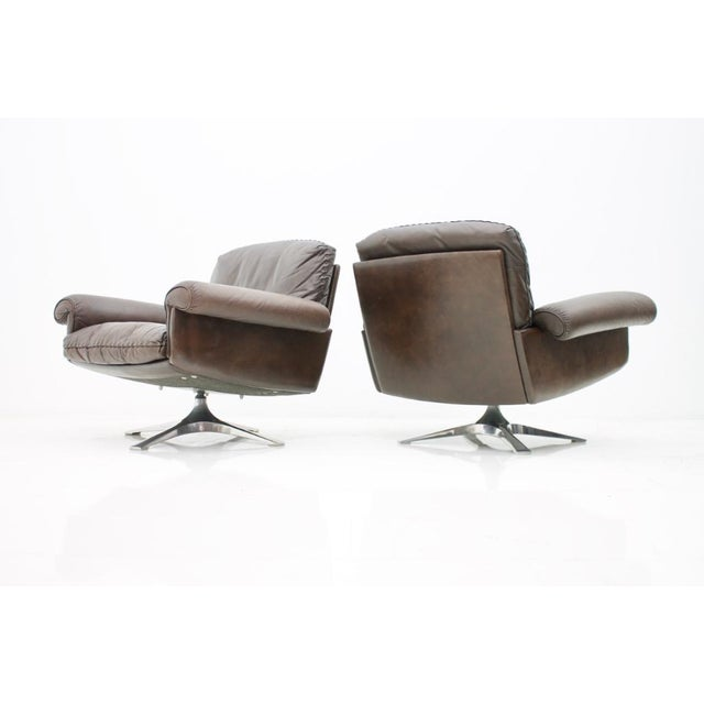 Pair of Swivel Leather Lounge Chairs Ds 31 by De Sede, 1970s For Sale - Image 9 of 9