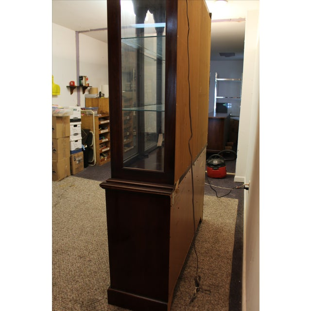 Drexel Heritage Carleton Cherry China Cabinet For Sale - Image 10 of 11