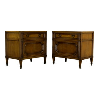 Pair Mid Century Walnut Nightstands, Pair of Nightstand, Pair of Walnut Nightstands For Sale