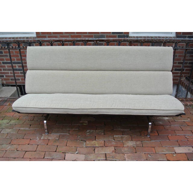 Charles & Ray Eames Compact Sofa for Herman Miller. Newly reupholstered