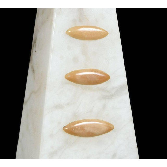 1950s Art Deco to Modern Transitional Alabaster Pyramid Table Lamps and Finials - a Pair For Sale - Image 4 of 8