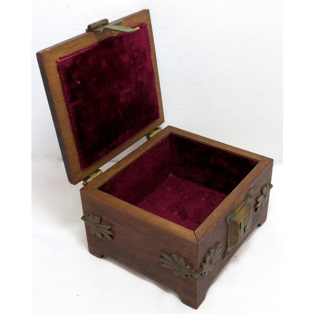 Early 20th Century Antique Arts & Crafts Oak and Bronze Box For Sale In Boston - Image 6 of 13