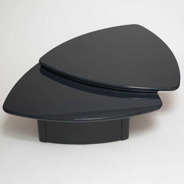 Modern Butterfly Coffee Table In Grey Lacquer For Sale In New York - Image 6 of 9