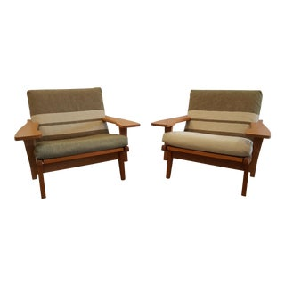 1970s Vintage Teak Hans Wegner Lounge Model Ge 375 Chairs- A Pair For Sale