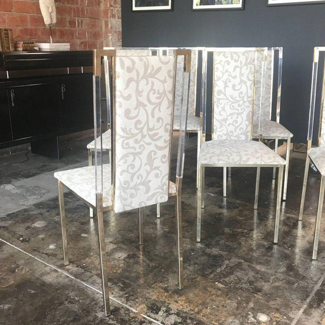 1960s Italian 1960s Set of Six Chairs in Brass and Plexiglass For Sale - Image 5 of 7