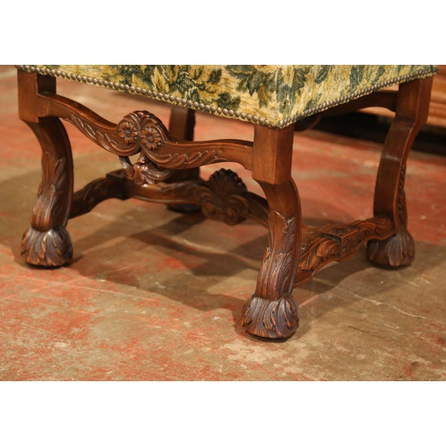 19th Century French Louis XIII Carved Walnut Stool from the Perigord For Sale - Image 4 of 8