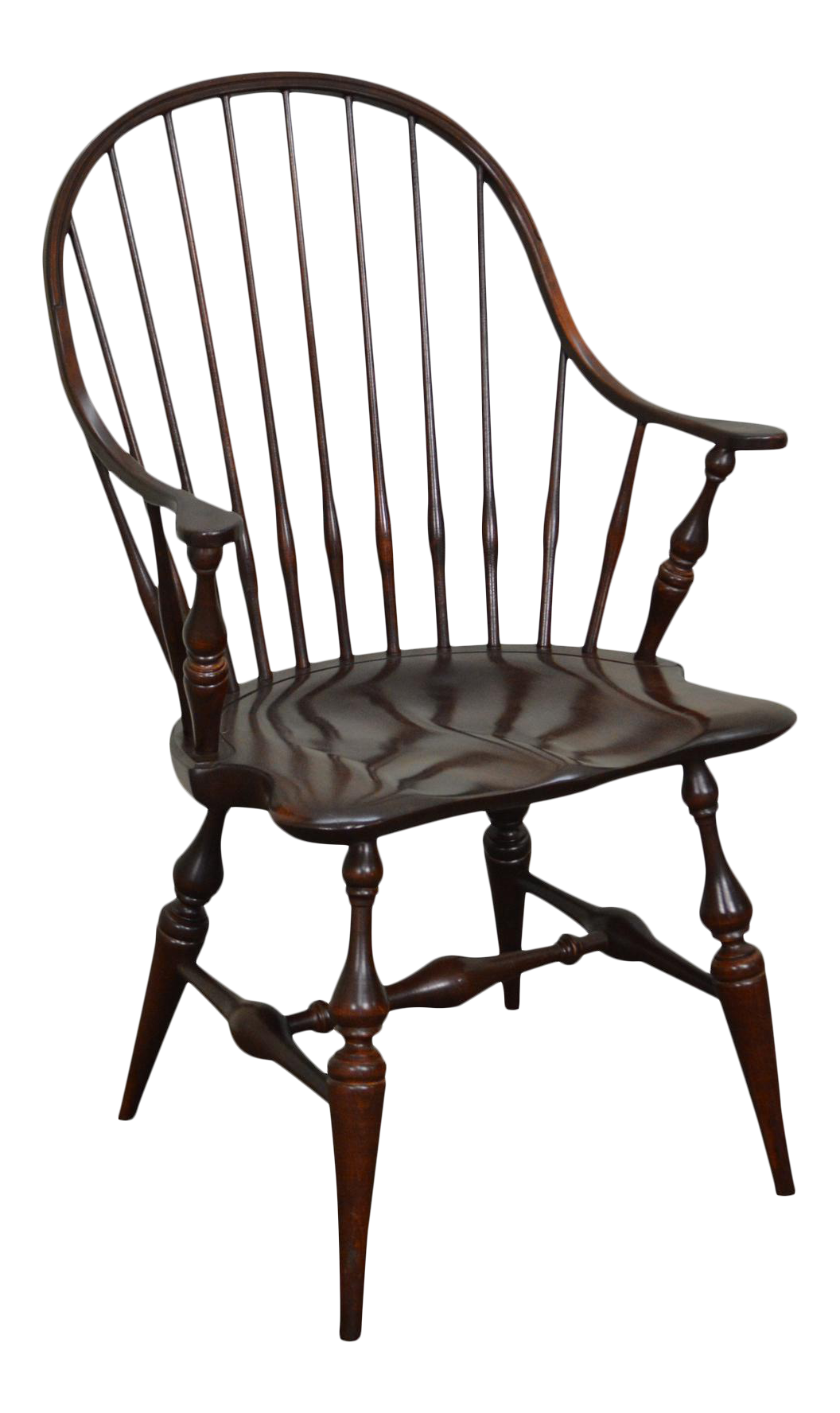 Superbe E.R. Buck Hand Crafted Continuous Arm Windsor Chair