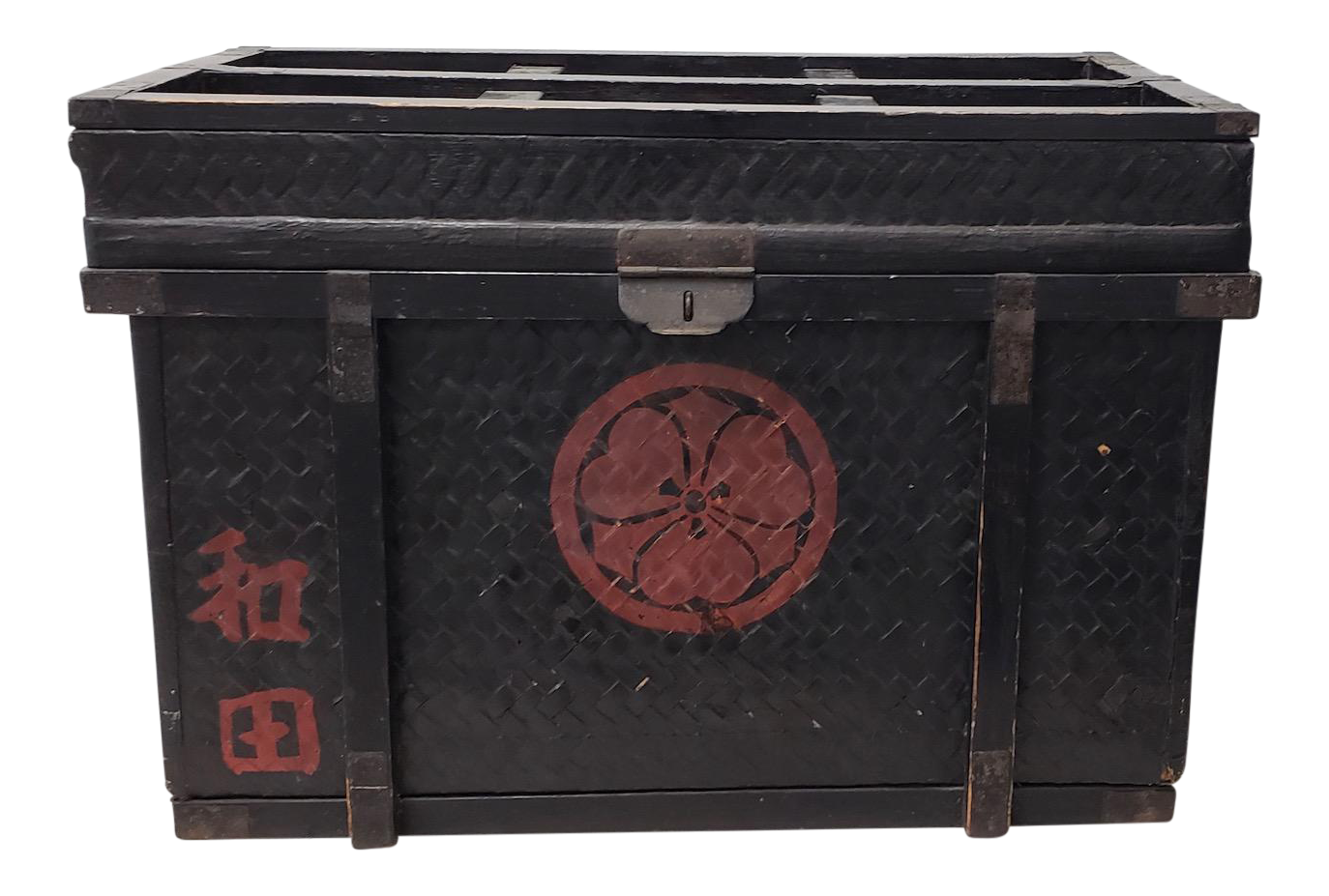 Superbe Antique Chinese Trunk C.1900 For Sale