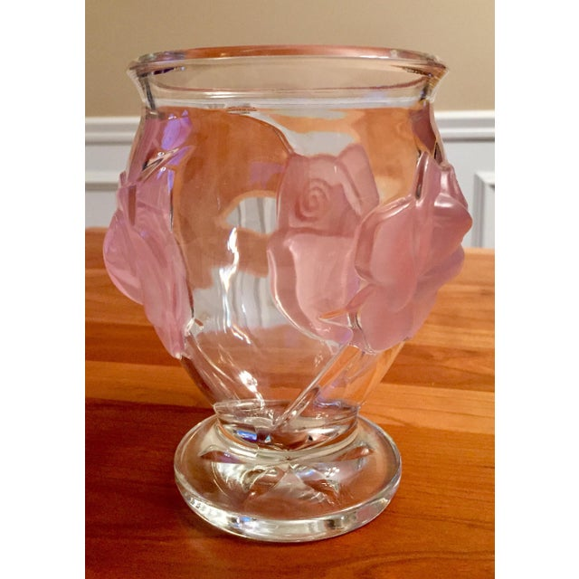 Pink Frosted Rose Relief Glass Vase - Image 3 of 7