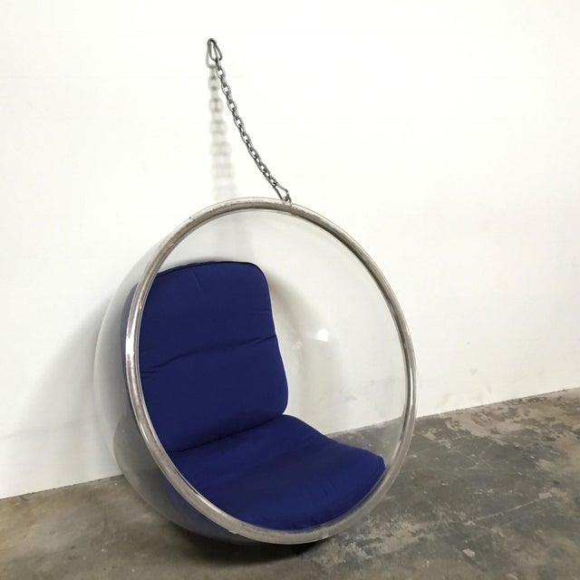 Eero Aarnio designed the Bubble chair in 1968. This acrylic sphere features removable non-slip cushions and hangs from the...