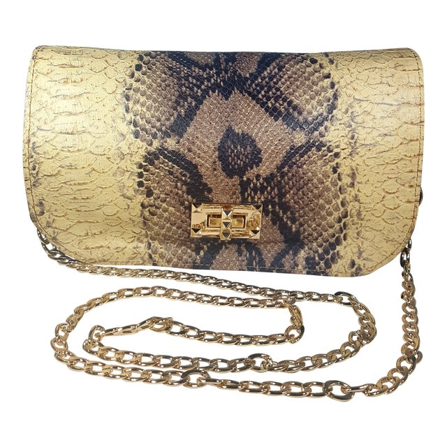 Handcrafted Artisan Made Snakeskin Embossed Lambskin Leather Convertible Clutch/ Crossbody For Sale