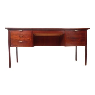 Mid-Century Modern Walnut Desk For Sale