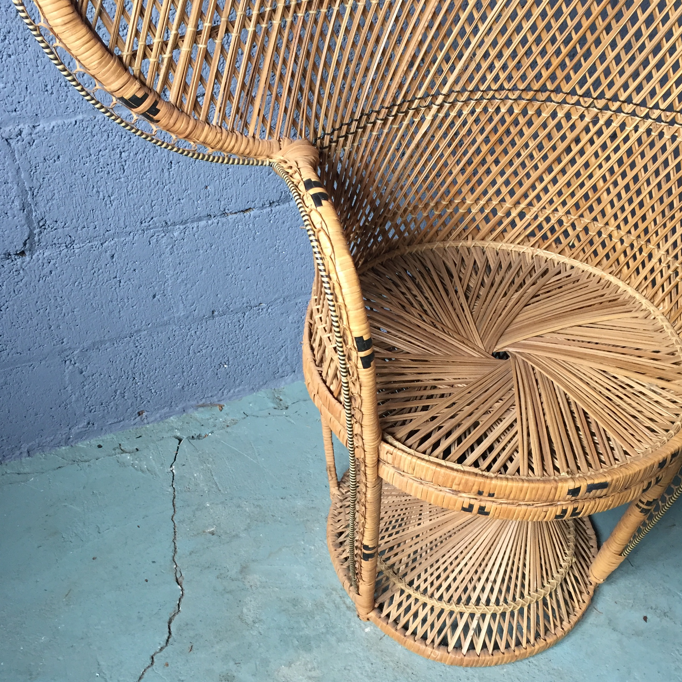 Vintage Rattan Peacock Fan Chair   Image 4 Of 11