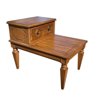Vintage Traditional Two Tier Side End Table by Mersman For Sale