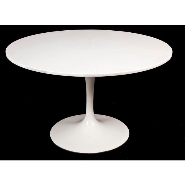 Knoll Mid-Century Modern Saarinen for Knoll Marble & Cast Iron Tulip Dining Set For Sale - Image 4 of 9