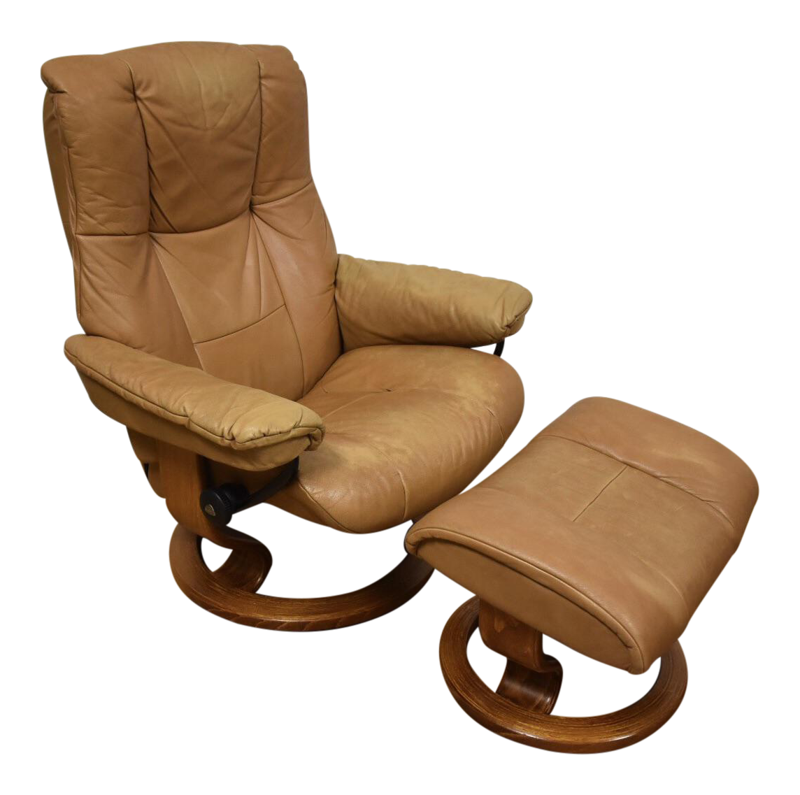 Beige Ekornes Reclining Lounge Chair U0026 Ottoman   A Pair