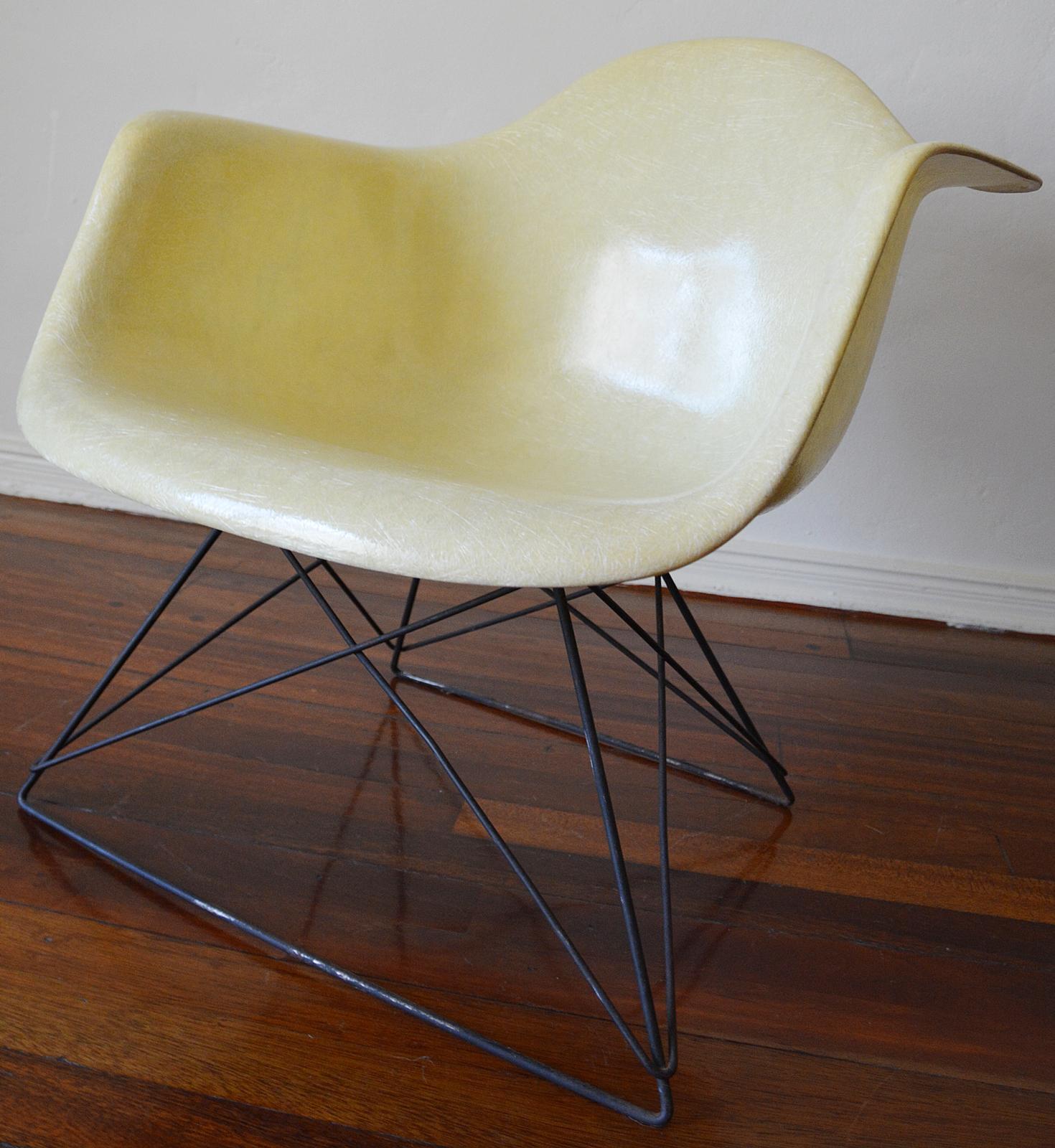 Eames For Herman Miller Fiberglass LAR Zenith Shell Armchair   Image 3 Of 11