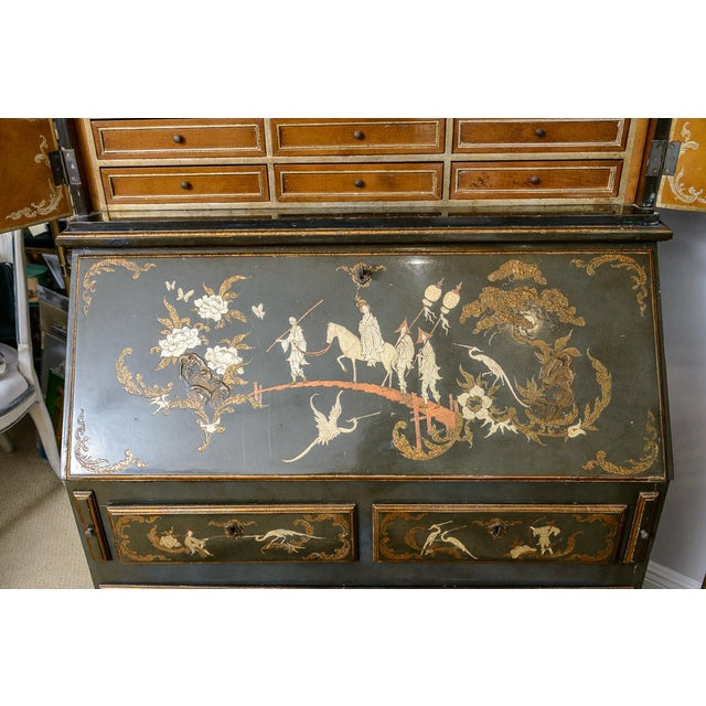 Wood Chinoiserie Chippendale Style Hunter Green & Gilt Lacquered Secretaire For Sale - Image 7 of 13