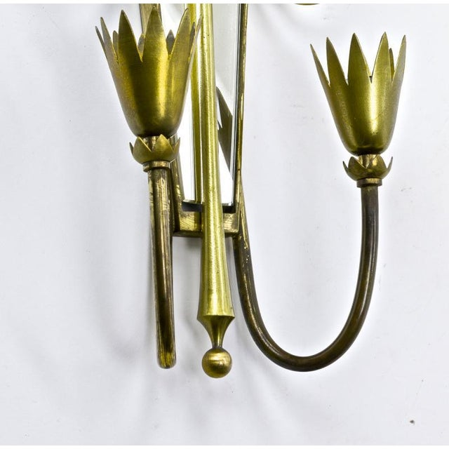 1950s Pietro Chiesa Pair of Mirrored Arrow Gold Bronze Sconces. For Sale - Image 5 of 6