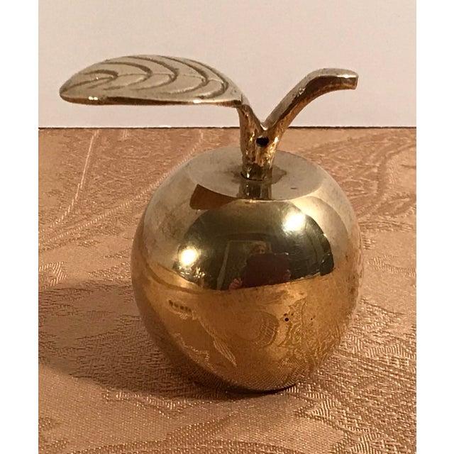 Cute mid century brass apple Paperweight. Great teacher gift!