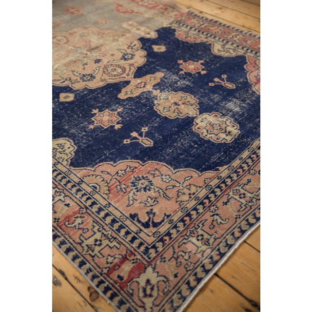 """White Vintage Distressed Sivas Rug - 4'10"""" X 7'7"""" For Sale - Image 8 of 12"""
